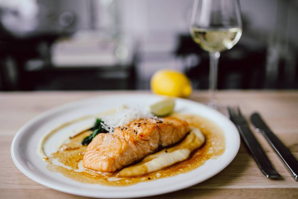 salmon with brown mustard and olive oil