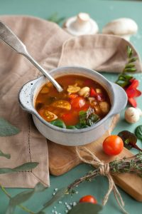 Stunning Slow Cooker Vegetable Soup Recipe