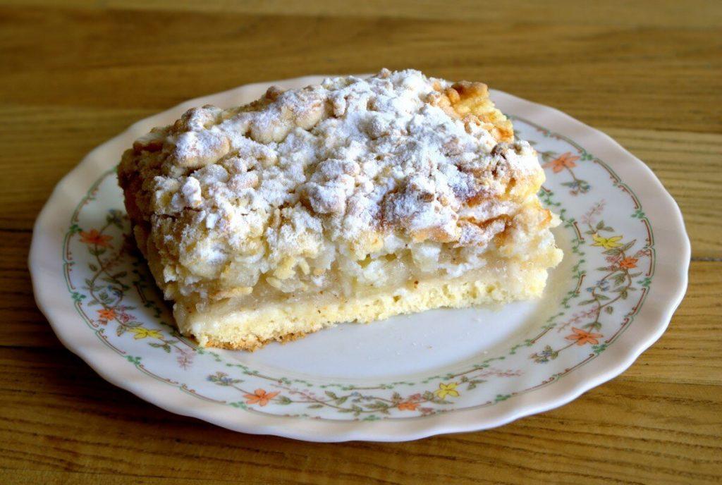 delicious sour cream apple pie