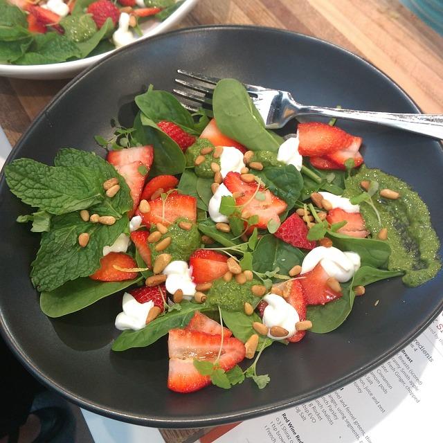 Strawberry Macadamia Salad Recipe
