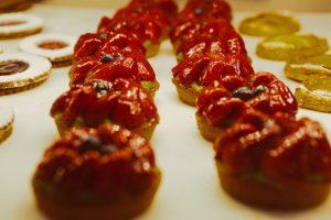 Sweetheart Meringue Tarts with Strawberries Recipe