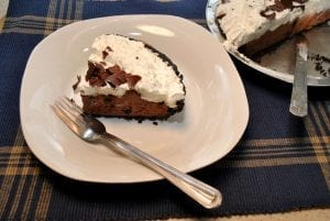 5-Minute Candy Bar Pie Recipe