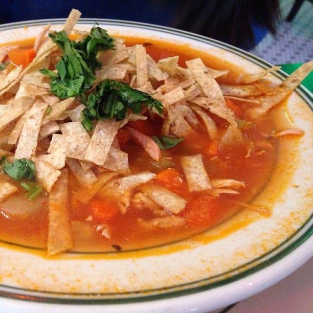 Copycat Applebee's Chicken Tortilla Soup Recipe
