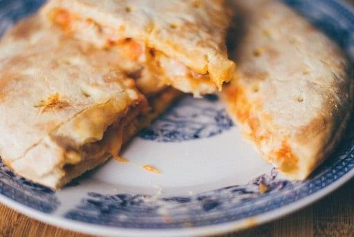 Copycat Louise's Italian Cafe Grilled Chicken Calzones Recipe