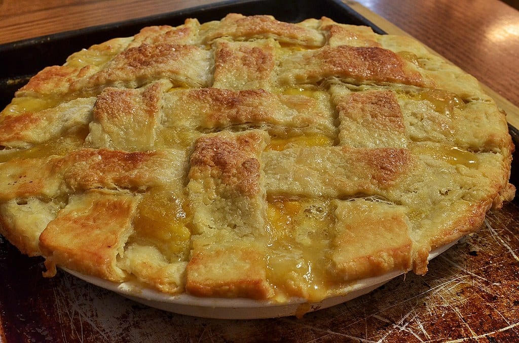 Copycat Marie Callender's Lattice Peach Pie Recipe