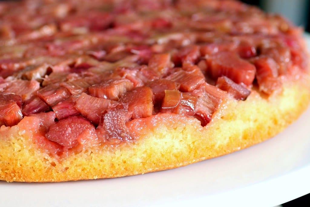 Easy Crockpot Rhubarb Cake Recipe