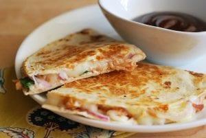 creamy-buffalo-chicken-black-bean-quesadillas-4