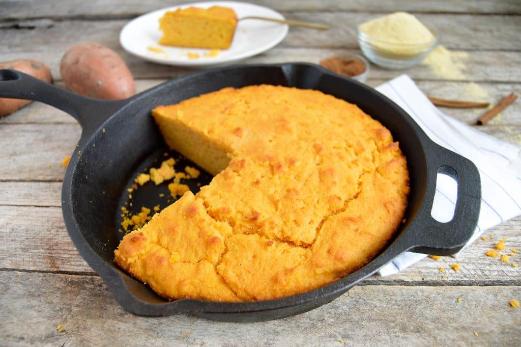 Copycat Old Country Buffet's Sweet Cornbread Recipe