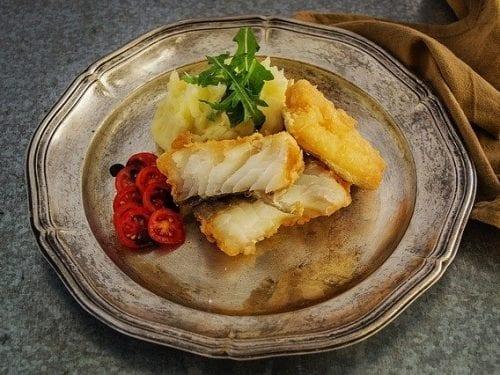 Pan-Fried Flounder Recipe- Pan fried flounder fish fillet with crispy golden brown skin