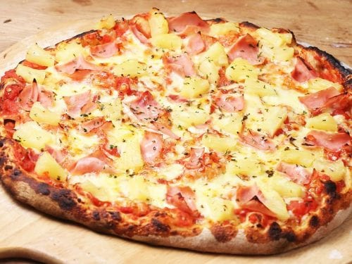 flavors of pineapple, sliced ham, onions and some beautifully gooey mozzarella cheese