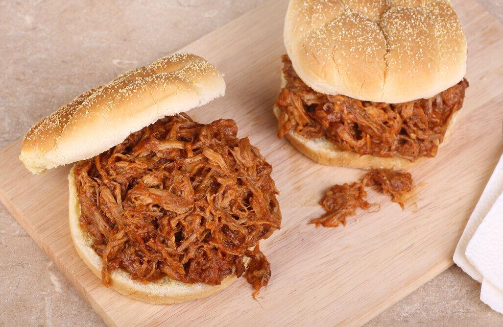 Slow Cooker Pulled Pork Sliders Recipe, shredded pork loin sandwich