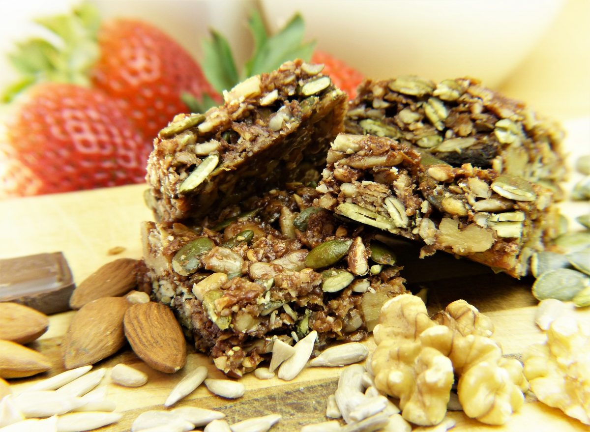 homemade granola bars, healthy food