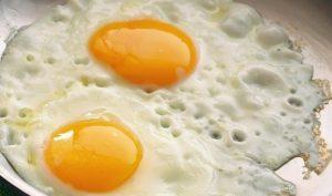 Spanish-Style Fried Eggs Recipe