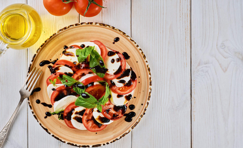 Tomato Caprese Salad with California Balsamic Vinegar Recipe, tomato salad with mozzarella and balsamic vinegar dressing