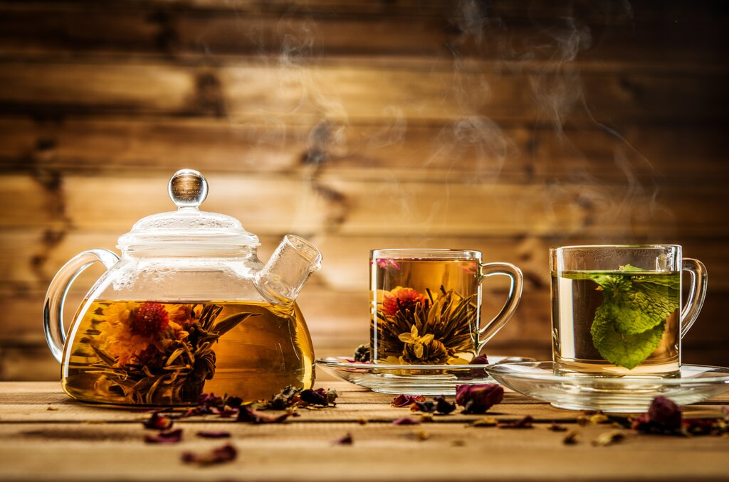 9 Herbal Tea Benefits and Best Types of Herbal Tea to Drink