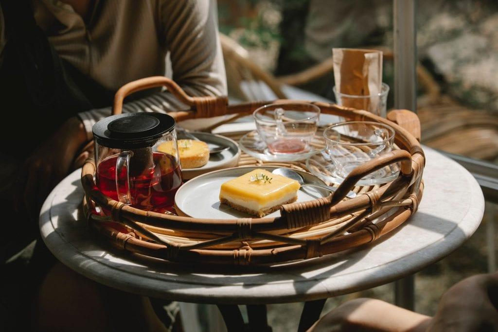 Black-Currant-Tea-10-Proven-Benefits-Food-Pairing, black currant tea with pastry, tea with dessert