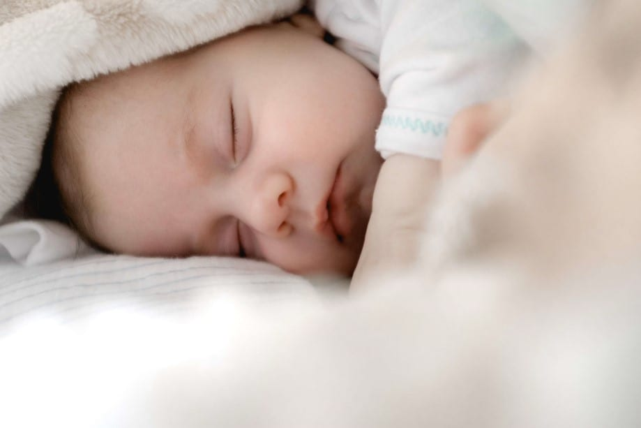 sleeping baby, fennel tea for baby with colic
