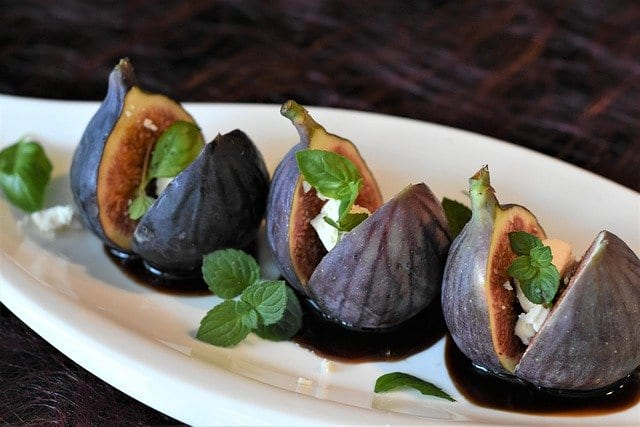 honey roasted figs with ricotta and orange sauce recipe