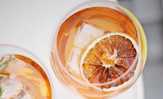 glass of iced sun tea