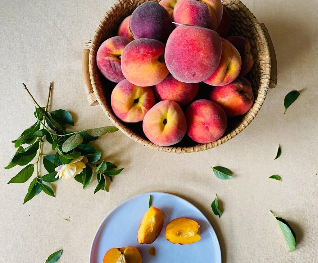How to Freeze Peaches in 4 Easy Ways