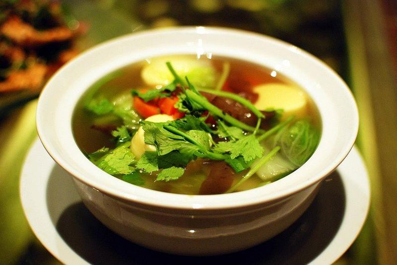 healty tom chuet clear vegetable soup