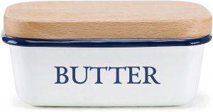 enamel-butter-boat-with-beechwood-lid