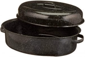 Black oval roasting pan with lid