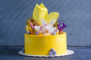 Yellow cake with isomalt decor