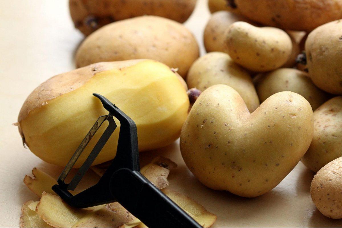 Potato Peeler Guide: 10 Best Potato Peelers For Your Kitchen