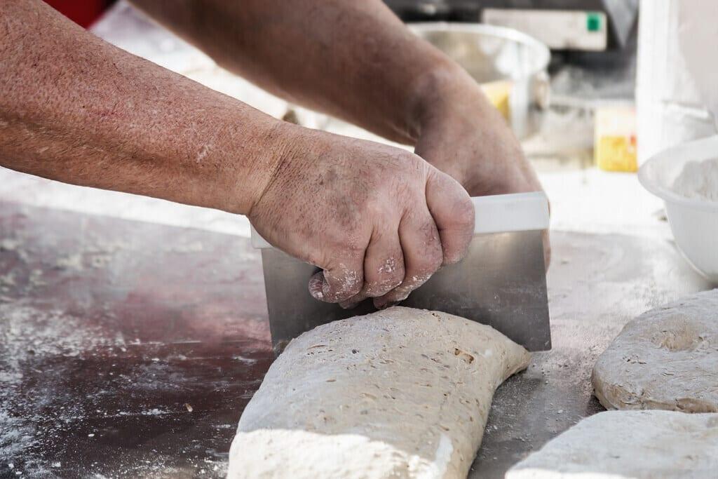 12 Best Bench Scrapers For Your Baking Needs