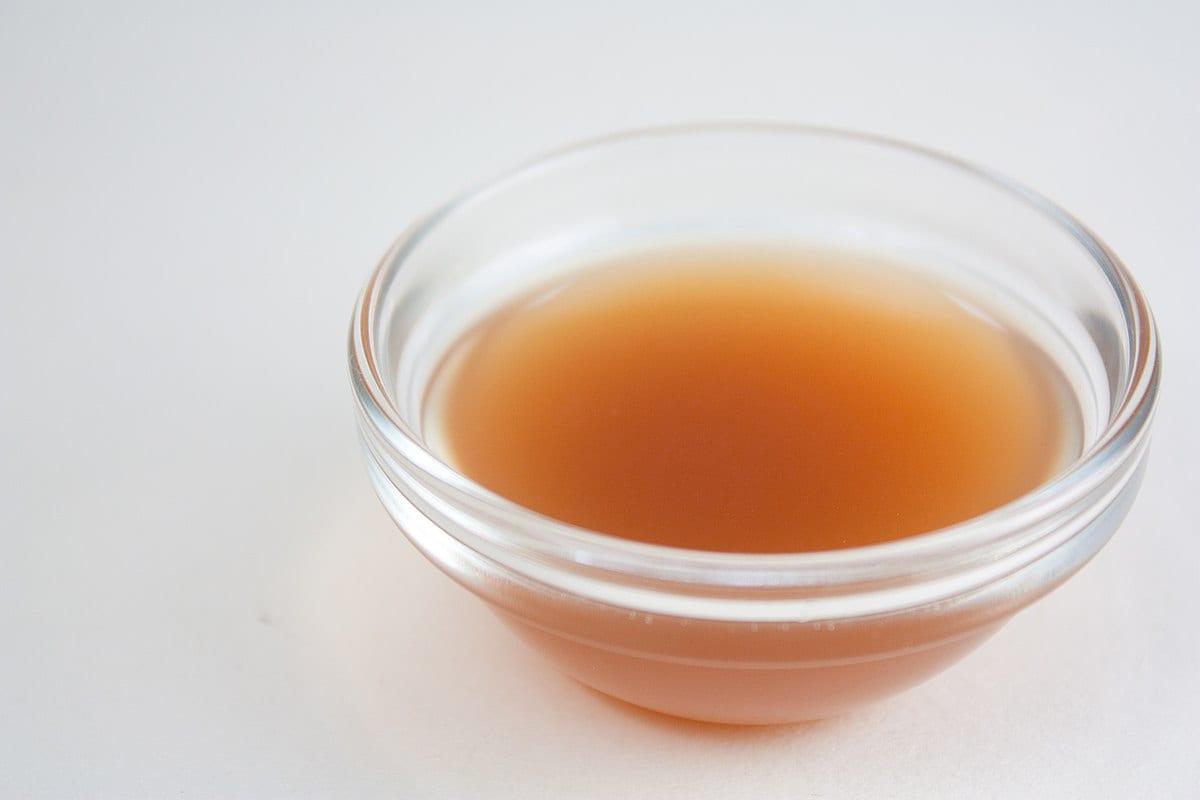 vinegar in bowl