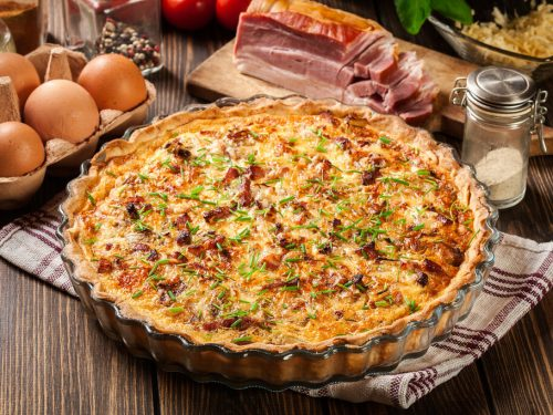 Breakfast Pie Recipe, pie for breakfast with cheese, sausage, bacon, ham