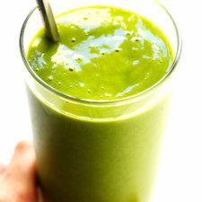 5-Ingredient Spicy Mango Green Smoothie Recipe