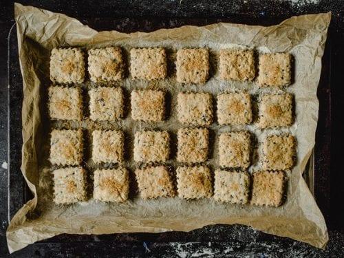 garlic-parmesan-biscuits-recipe