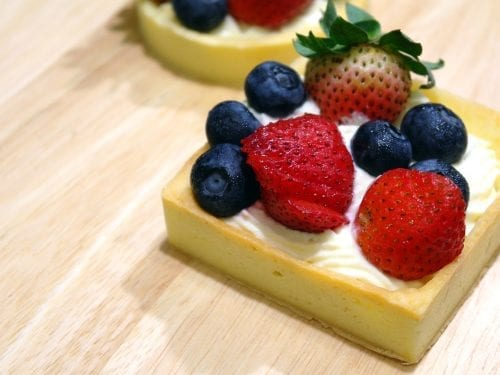 puff-pastry-fruit-tarts-with-ricotta-cream-filling-recipe