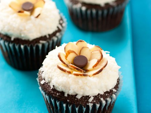 chocolate cupcakes with coconut frosting {almond joy cupcakes} recipe