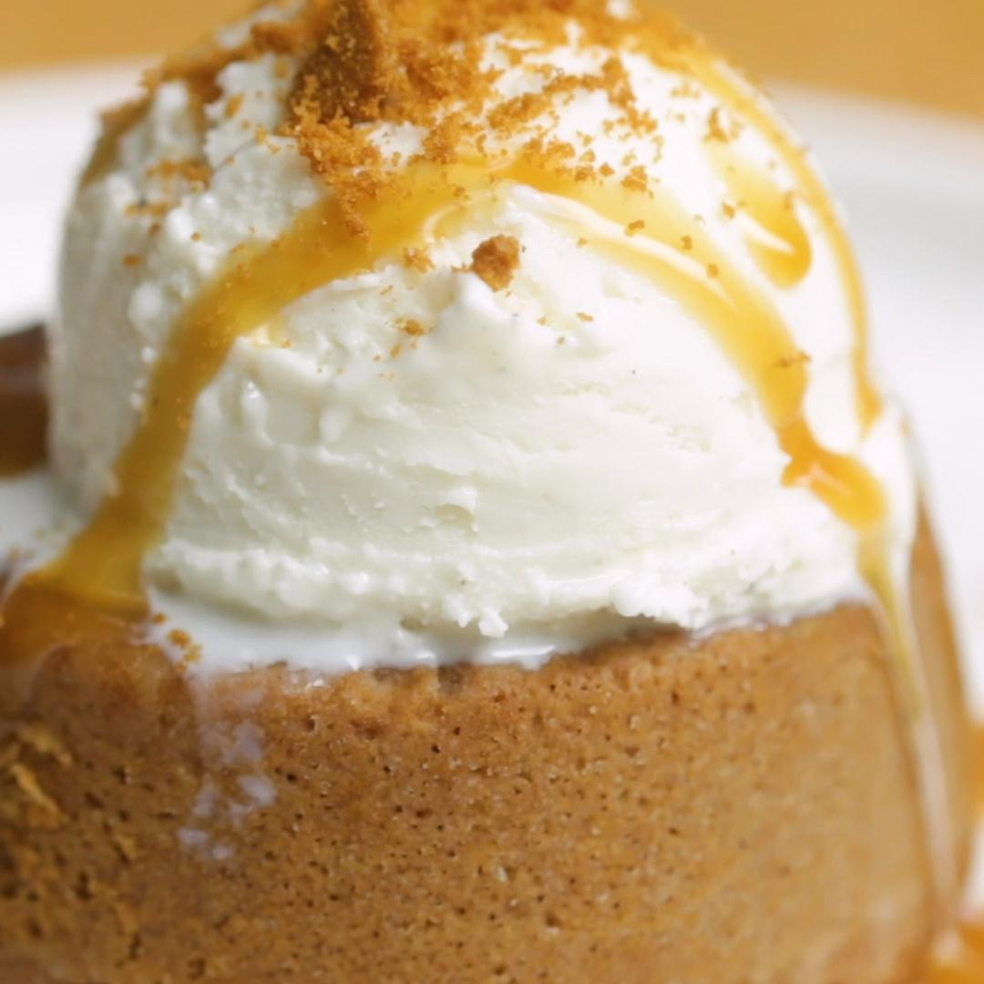 Cookie Butter Lava Cake Recipe