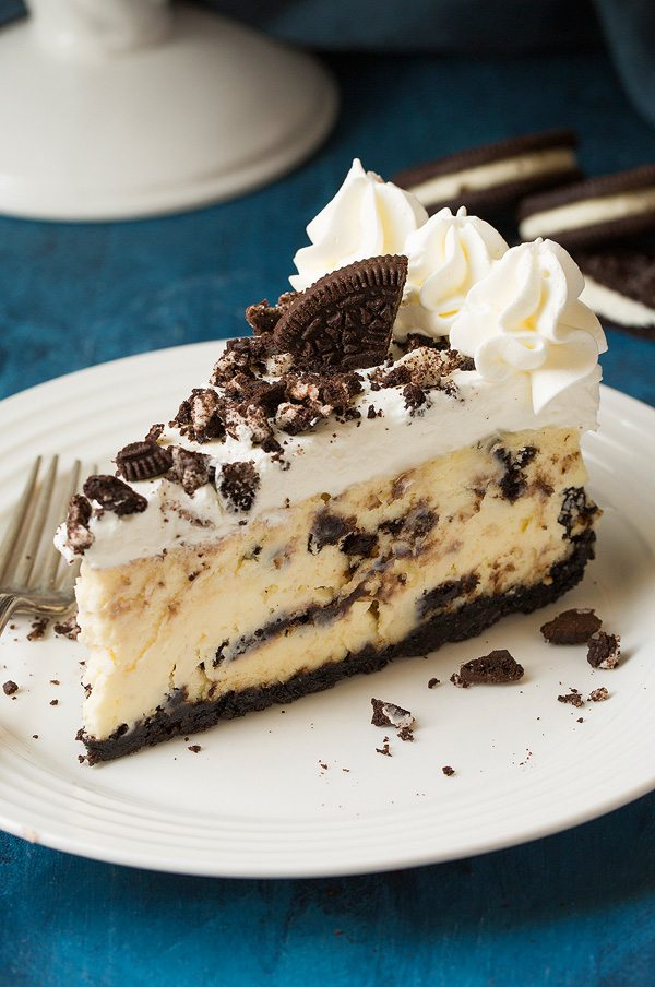 cookies-and-cream-chocolate-cheesecake-recipe-sweettreatsmore.com-80