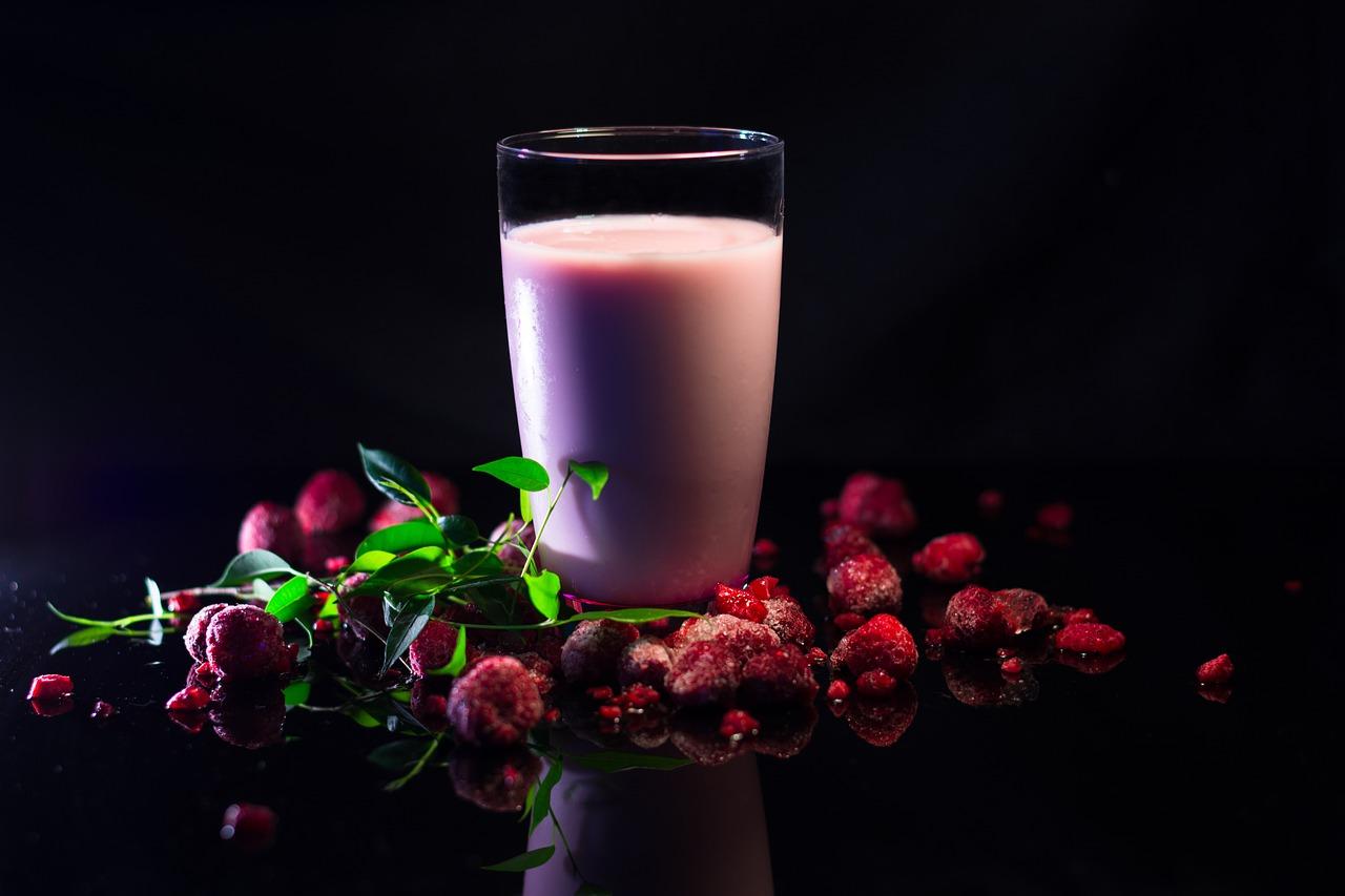 Creamy Raspberry Protein Smoothie Recipe