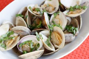 Steamed Clams with Fresh Basil Recipe