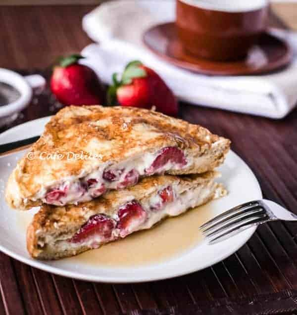 Strawberries 'n' Cream French Toasts Recipe