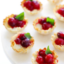 Easy Baked Cranberry Brie Bites Recipe