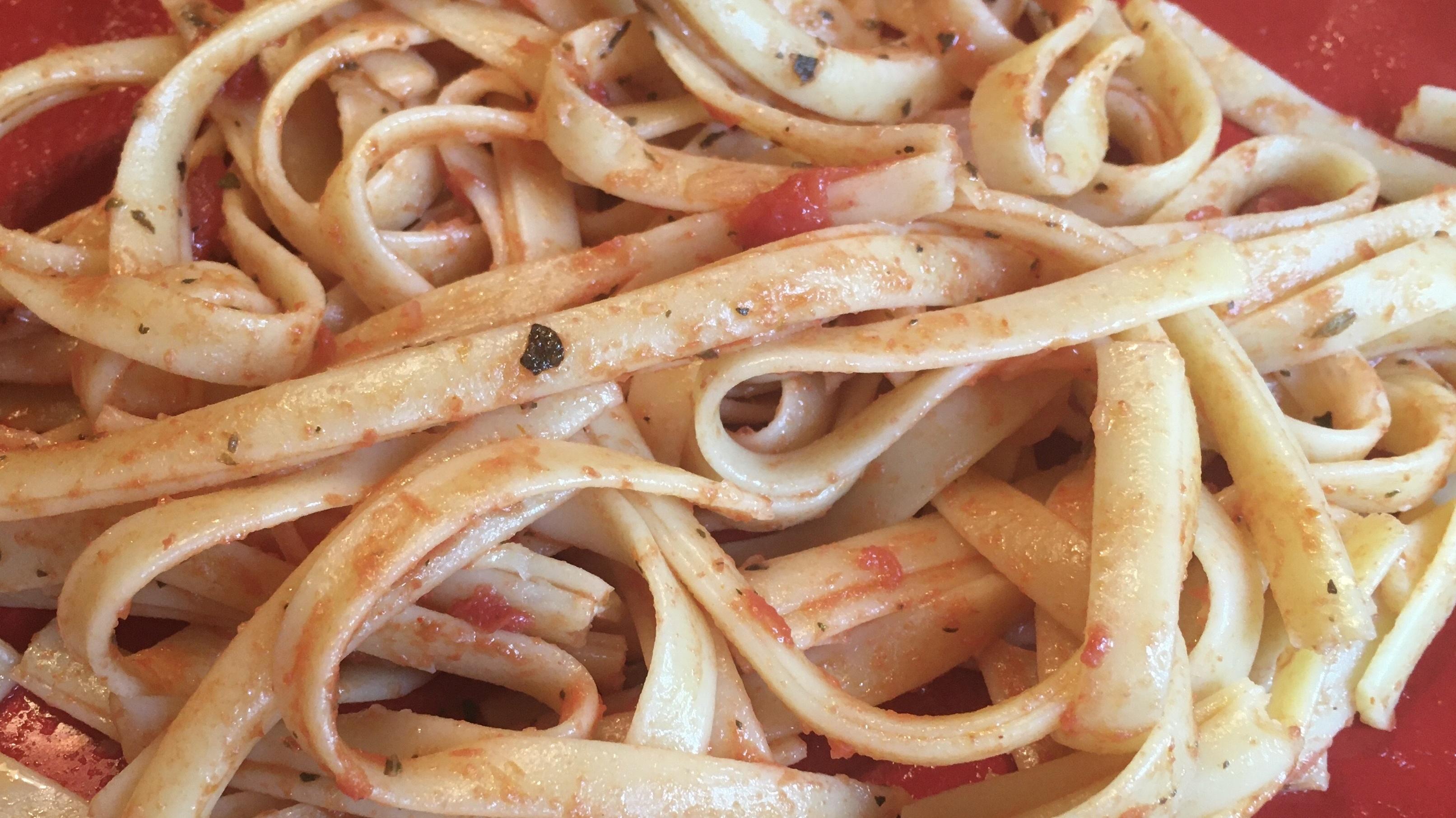 Vegan Tomato Basil Fettuccine Recipe