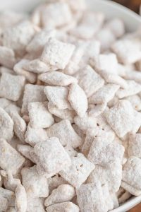 White Chocolate Puppy Chow (Muddy Buddies) Recipe