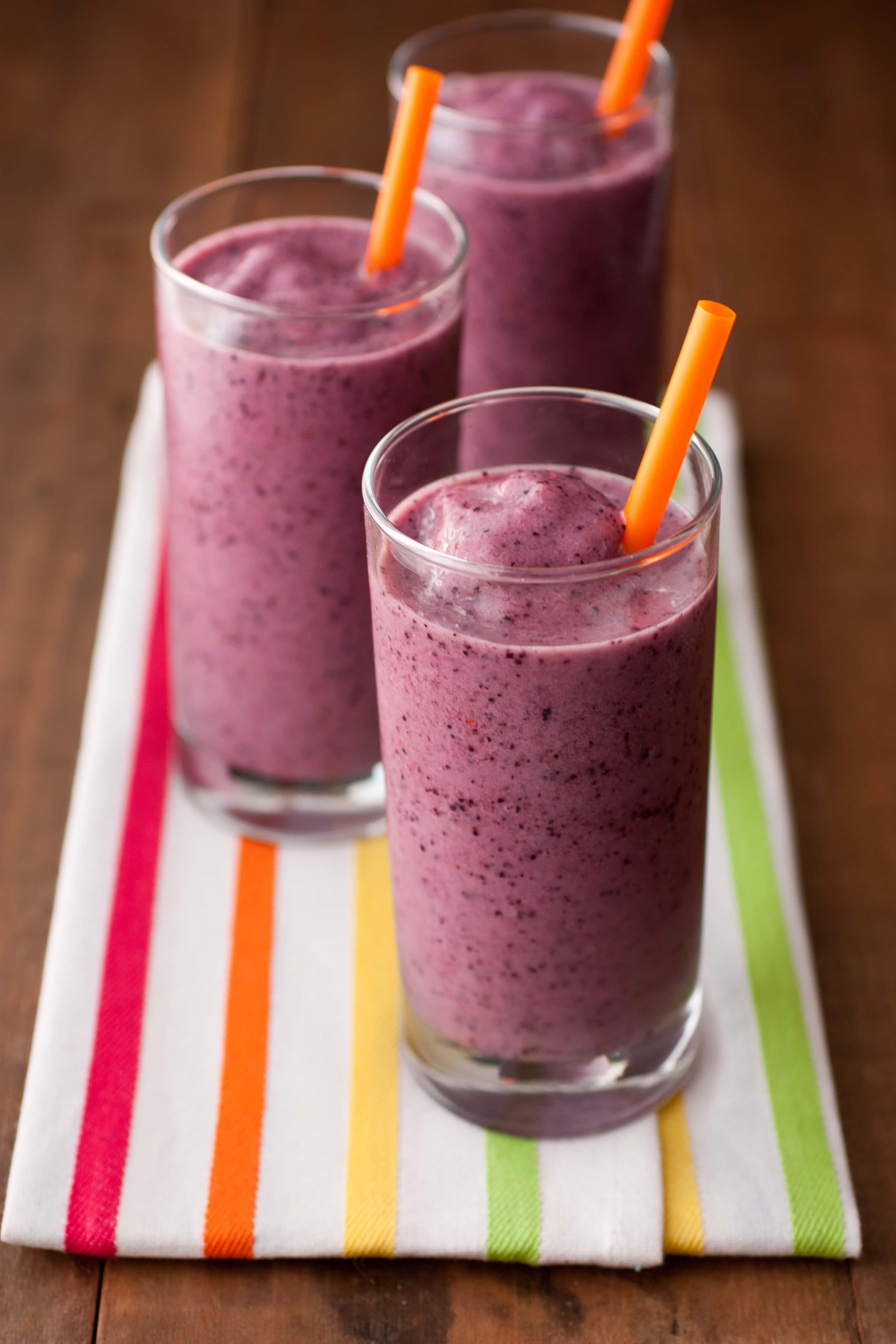 Copycat Jamba Juice Banana Berry Smoothies Recipe