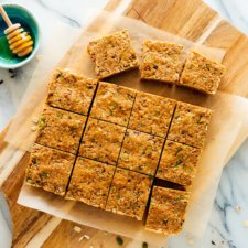 Easy No-Bake Granola Bars Recipe