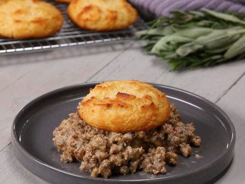 lower-carb biscuits and gravy recipe