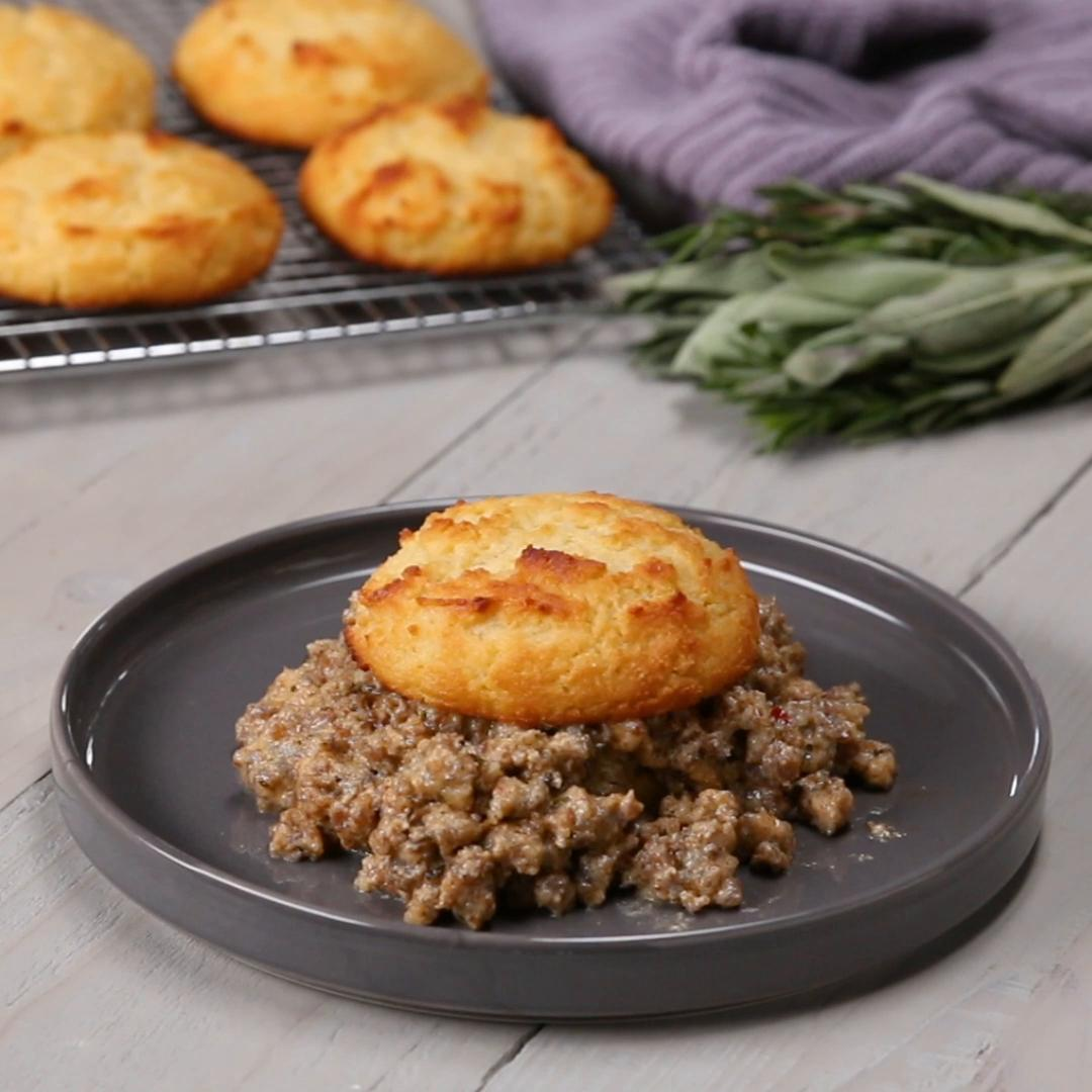 Low-Carb Biscuits And Gravy Recipe