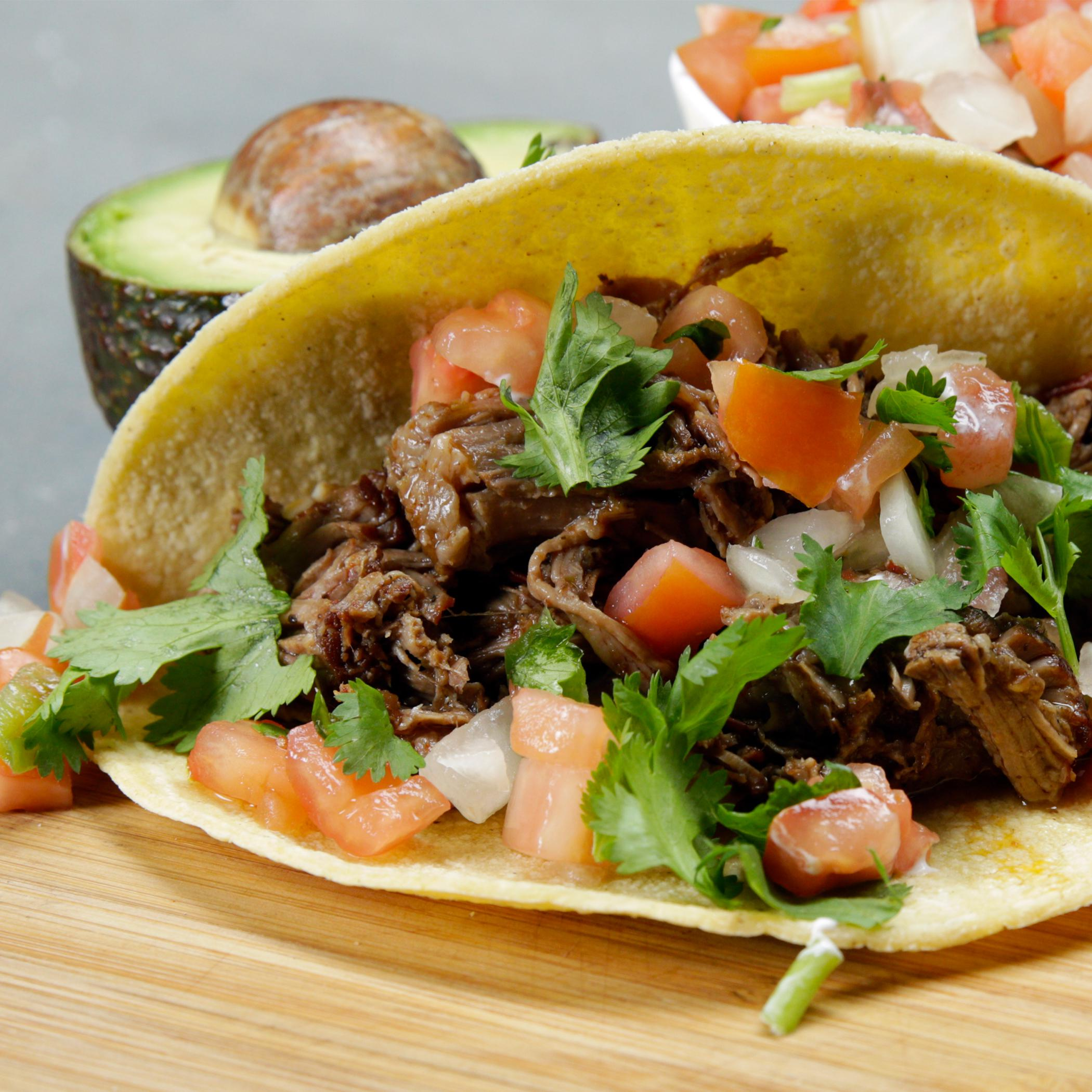 Slow Cooker Barbacoa-Style Beef Tacos Recipe