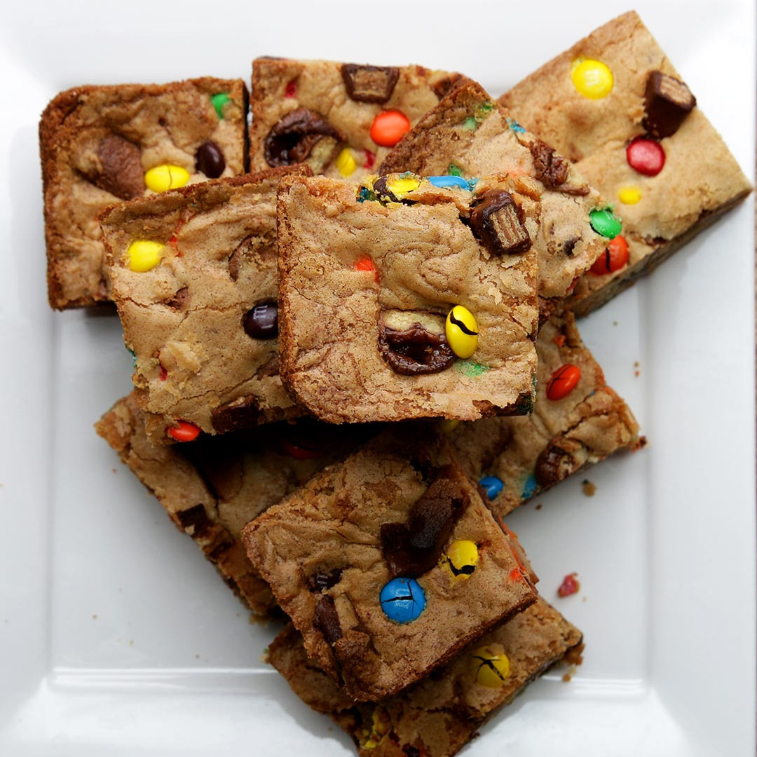 Halloween Candy Cookie Bars Recipe